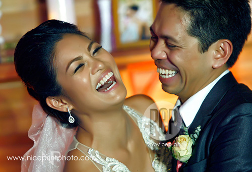 Miriam with her husband, Ardy Roberto, during their wedding