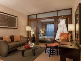 Hotel Kimberly Bedroom 1
