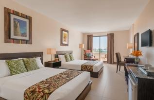 Hotel Kimberly Bedroom 2
