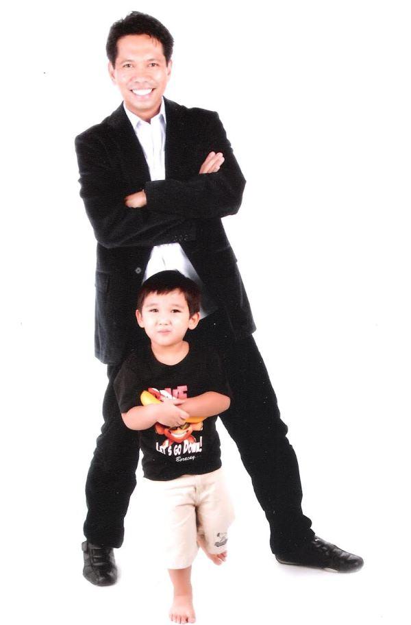 ardy-with-joshy-boy-indian-pose